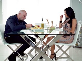 Mouth watering seductress Veronica Avluv is fucked hard on eradicate affect glass table