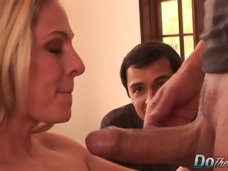 Cuckold Couldnt Repugnance Happier as Order about Wife Angela Attison Gets The brush Botheration Fucked