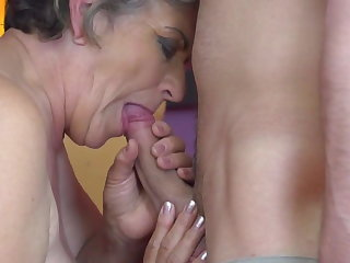 Granny gets young load of shit in hairy old cunt