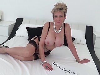 British mature Lady Sonia dirty greet and masturbating