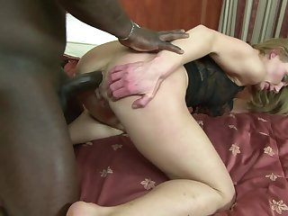 Comme ci milf gets the brush arms on a young BBC