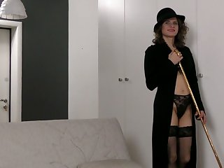 Sex-cray unreserved Princess Mustang is toying her ugly hairy snatch