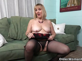 Florida milf Rebecca gets in the mood wearing unmentionables
