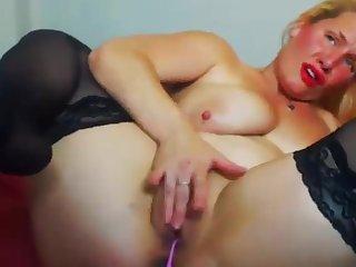 Sexy beautiful woman Noreen25