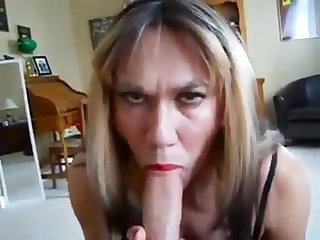 My mature neighbor loves beside visit and get a blowjob