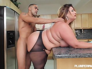 Kandi Kobain - Served Up Big-Boned