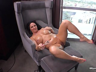 BBW Cougar Gilf Swinger Does Prime Porn