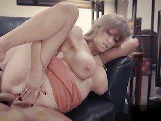 New king fucks with hot mature secretary Darla Crane