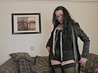 matured mom in stockings & eyeglasses masturbating unparalleled - amateur
