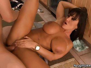 Naughty America - Lisa Ann - My Friend's Hot Mom