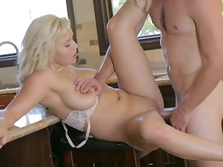 Blonde beauty drilled a quantity and made to swallow like a slut