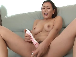 Females see Asian masturbating and decide better to make her suck