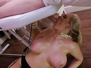 Blonde milf relating to fucked in excess of the massage table